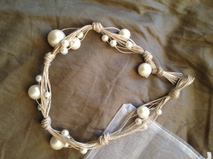 Necklace, beige and pearl white. Short. # N.11