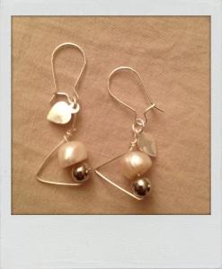 Orecchini acciaio e perle. #E.7