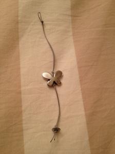 Bracciale grigio con farfalla # B.3